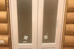 деревянная дверь белого цвета