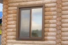 двухстворчатое окно из дерева